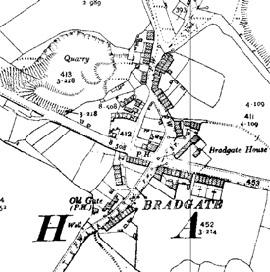 Figure 5 (middle): By the 1890s, the settlement had been enlarged by further row housing along the edges of existing roads and also along a newly built east - west road