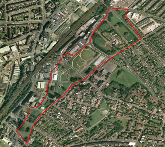 Figure 3: This corridor of land through Heeley was cleared and set aside from reconstruction in anticipation of a never built road scheme. The land was regenerated in the late 20th century by local community groups as a City Farm and public park. Cities Revealed Aerial Photography © the GeoInformation Group, 1999.
